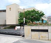 岡山中央病院 約900m(徒歩12分)