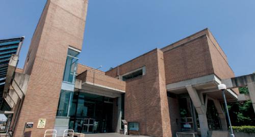 郡山市中央図書館 約1,050m(徒歩14分)
