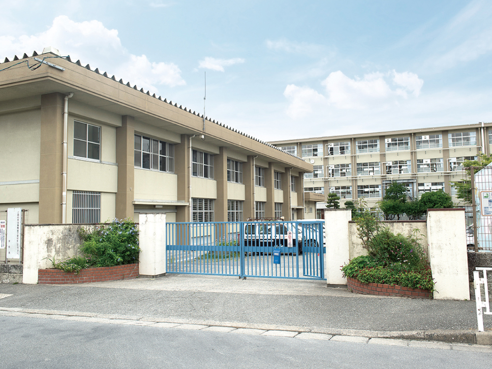 福重小学校 約110m(徒歩2分)