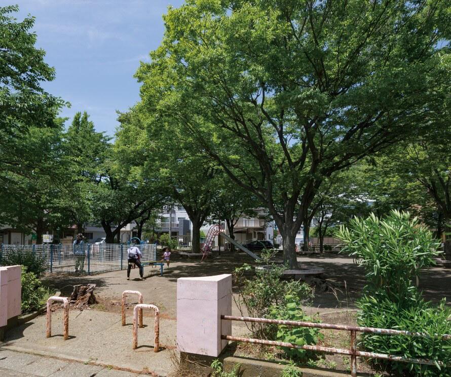 錦町公園 約260m(徒歩4分)