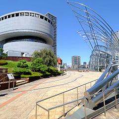 国立国際美術館 約1.8km