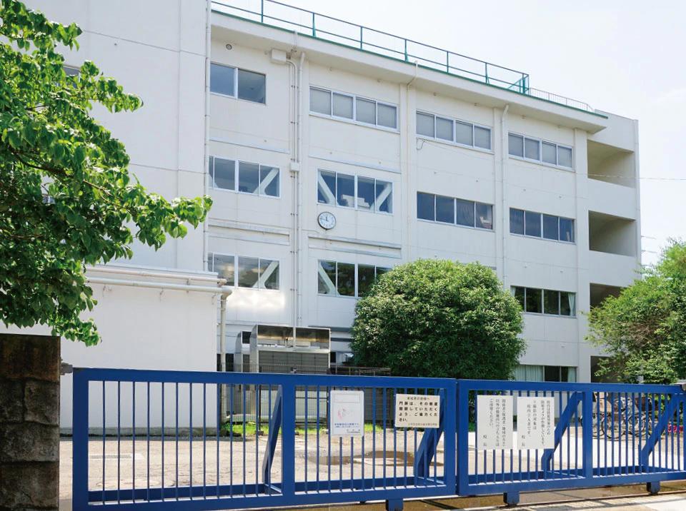 花小金井南中学校【通学校】 約220m(徒歩3分)