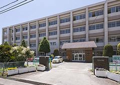 市立光風中学校 約900m(徒歩12分)