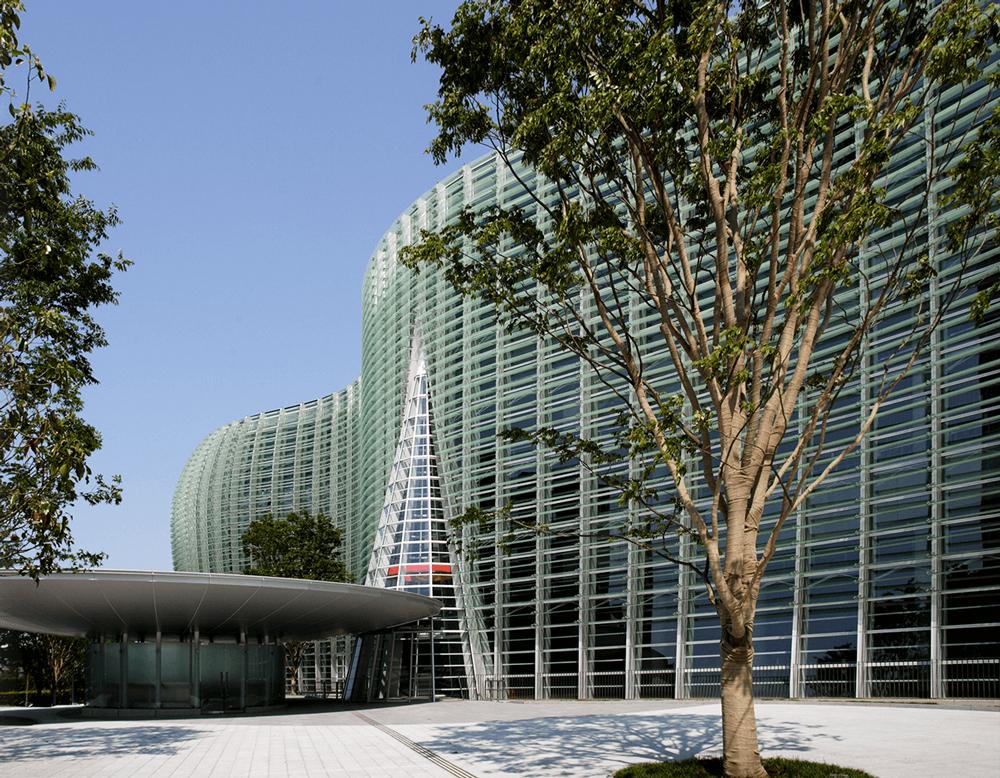 国立新美術館 約2,200m(徒歩28分)※提供写真