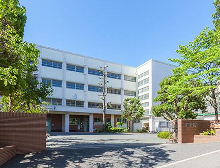 青葉台中学校 約250m