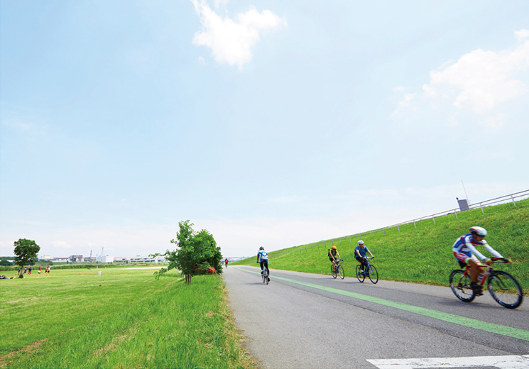 荒川日の出町緑地 約1,180m(徒歩15分)