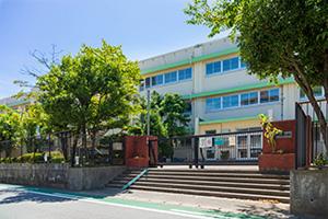 坂戸小学校 約600m