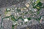 【空撮】 石神井川と2つの公園を3方に従える〈アトラス加賀〉。※掲載の航空写真は現地および周辺部分を上空から(2018年6月)撮影したものに現地部分の光などCG合成・加工をしたもので実際とは多少異なり