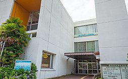 四日市市立図書館 約440m(徒歩6分)