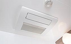 乾燥機能以外に暖房、涼風、24時間換気機能付き。