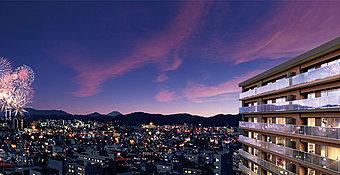 南面に広がる伸びやかな解放感。夏には、富士森公園から打ち上げられる「八王子花火大会」が夜空を彩ります。