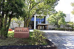 刈谷市美術館 約990m(徒歩13分)
