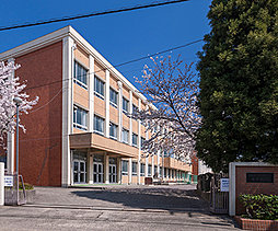 市立港明中学校 約780m(徒歩10分)