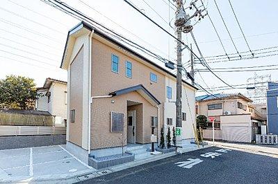 「練馬区西大泉」に新たな邸宅が誕生!全室南向きで、陽だまりが心地いいテラスやリビングのある4LDK。2階の各洋室は広さ6帖超、ゆとりあるプライベート空間も確保しています。,4LDK,面積95.84m2,価格5369万円,西武池袋線「保谷」駅 徒歩16分,,東京都練馬区西大泉5-1032-58(地番)