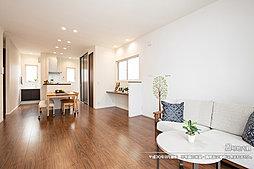 [2号地 内観]平成30年9月撮影 ※写真の家具・調度品は価格に含まれません。