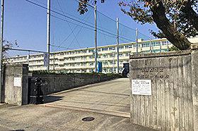 那加第一小学校(約160m:徒歩2分)