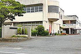 浅江中学校  (約700m:徒歩9分)