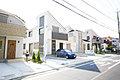 JR横須賀線「東戸塚駅」徒歩17分の住宅街にカースペース2台駐車可能な新築住宅