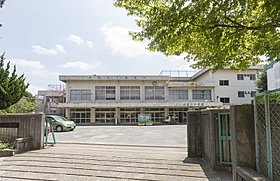 八ヶ崎第二小学校(徒歩5分・340m)