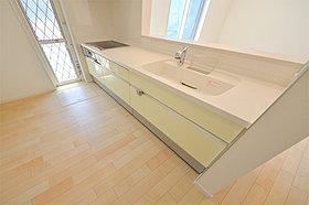 IHコンロを採用した対面式キッチン