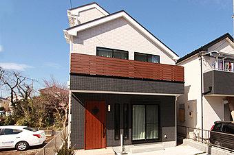 西武国分寺線「恋ヶ窪」駅 徒歩8分!学校も近く、生活利便性良好です。小屋裏収納、嬉しい宅配ボックス付き!