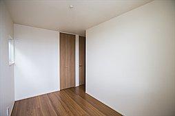 B棟:全居室に収納をもうけましたので、居室をきれいに保ちます。