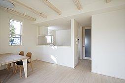 心地よい開放感と高いプライバシー性を兼ね備えた2階リビング(施工例写真)