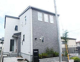 埼玉高速鉄道・JR武蔵野線「東川口」駅徒歩11分。安全で快適な住み心地を形成する、区画整理地内に誕生する街。