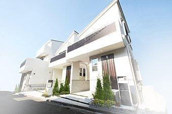 施工例 閑静な住宅街に美しく佇むラグシス荻窪Vol.12。温かい光が優雅に降り注ぐ。