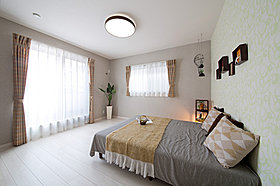 2面採光を使った明るい寝室【当社施行例】
