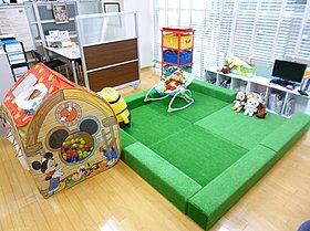 8.5帖の主寝室は「クローク&物入」のダブル収納です!