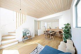 あたたかい陽光が差し込む高台、開放感を演出する配棟計画。
