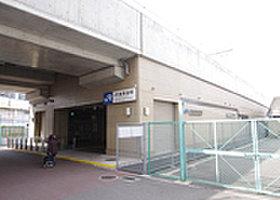 JR俊徳道駅まで徒歩9分。都心部へのアクセスも楽々