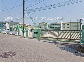 川崎市立長沢中学校まで徒歩16分