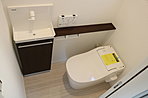 LDKの階にはタンクレス&手洗い場付の高機能トイレを採用!(施工参考例)