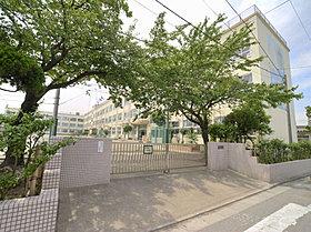 東栗原小学校まで徒歩4分(300m)