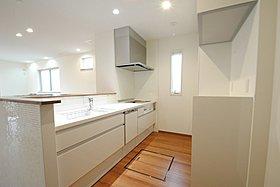 食器棚・家電収納を備えたシステムキッチン