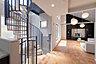 壁一面のテレビボード・本棚収納はインテリアの一部として住む人の個性を映し出す、明るく開放的なリビング。,1SLDK,面積146.57m2,価格13,980万円,東武東上線「ときわ台」駅 徒歩6分,東武東上線「中板橋」駅 徒歩8分,東京都板橋区常盤台1-20-7他