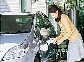 自宅で手軽に充電できる「EV・PHV充電用外部コンセント」