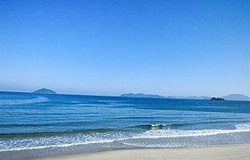 休日には家族みんなですぐ近くの二丈海岸へ!