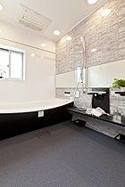 1620サイズの広々とした浴室(当社施行例)