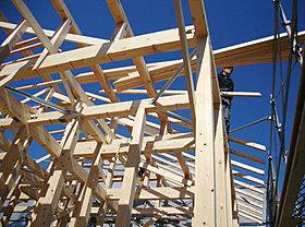 木造軸組み構造のしっかりとした躯体。