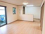 【久喜市青葉5丁目 LDK】LDKは広めの17.6帖♪家族団らんに最適な広さです♪お気に入りの家具を配置してインテリア選びも楽しくなりますね!