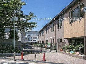 杉並区立高井戸中学校・・距離約800m(徒歩10分)