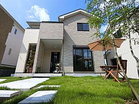 上質感ある暮らしの空間、モデルハウス公開中。