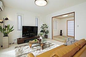 客間やくつろげる空間として和室を設けたプラン