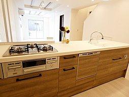 タッチレス水栓・食洗機等、お料理が楽しくなる充実の設備