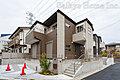 耐震構造で安心な邸宅。スタディーカウンターやリビング階段で家族の絆も深まります。…調布市緑ヶ丘1丁目