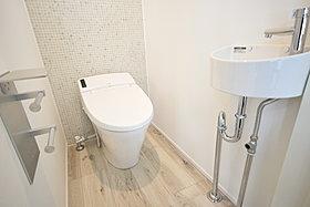 ◆空間を有効利用。トイレ手洗い器