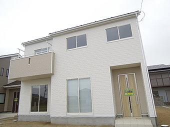 2号棟外観写真 快適さと機能性を追求した新築住宅が完成しました!見て・触れて・体感して!リアルな生活のイメージをつかみませんか?